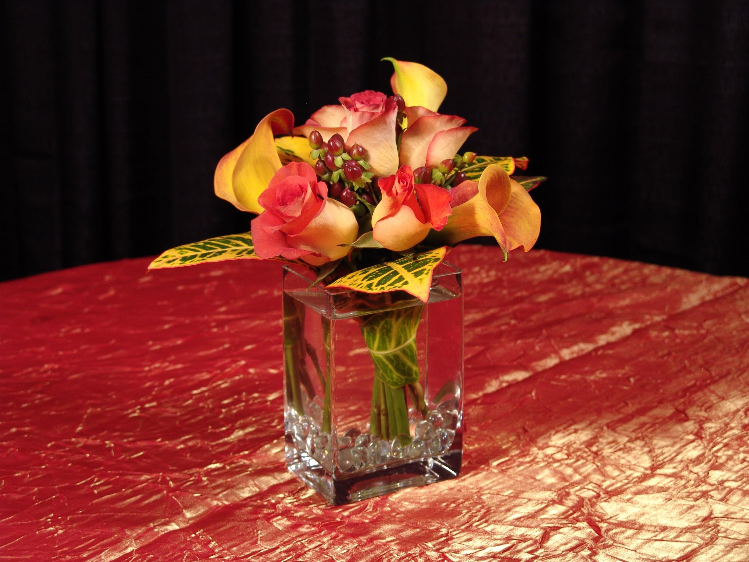 Mango Calla Lillies & Leonidas Roses - PF81