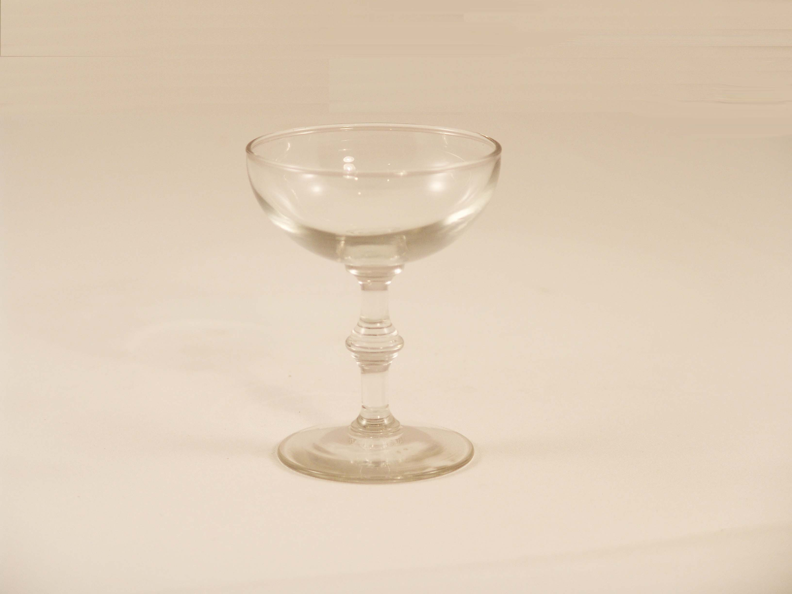 Small Champagne Glass 4oz - TD18
