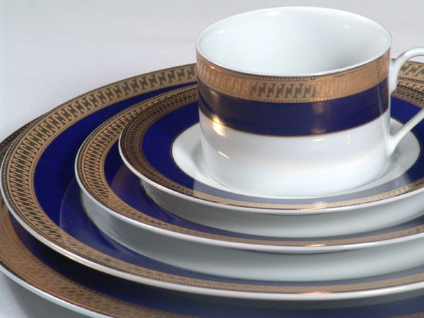 White China w/ Cobalt Blue u0026 Gold Band & Orlando Event Rentals | White with Cobalt Blue China Rentals