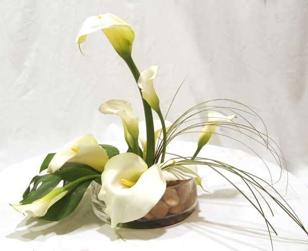 White Calla Lillies in Low Crystal Container - PF93